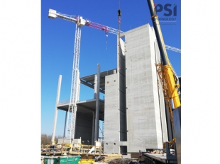 Slipform construction of the reinforced concrete core of SKI Battery office building in Komárom was completed in October
