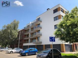 K18 Ház: terítéken a parkosítás és a növények beültetése