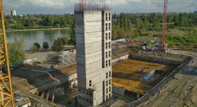 Lakóépület lift és lépcsőház magjainak csúszózsalus kivitelezése (D)
